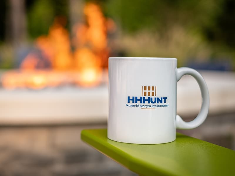 HHHunt Mug in front of a Fire